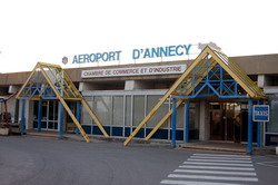 Annecy Airport transfer by Mercedes E-class, S-class or minivan Viano-Vito