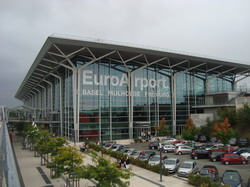 EuroAirport Basel-Mulhouse-Freiburg Taxi and chauffeur service on Mercedes V class, transfer by Mercedes Sclass, Minivan or VIANO
