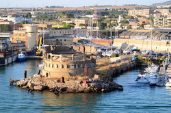 Civitavecchia Cruise Port Taxi and chauffeur service on Mercedes V class, transfer by Mercedes Sclass, Minivan or VIANO