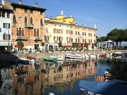 Desenzano del Garda Taxi and chauffeur service on Mercedes V class, transfer by Mercedes Sclass, Minivan or VIANO