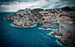 Dubrovnik Taxi and chauffeur service on Mercedes V class, transfer by Mercedes Sclass, Minivan or VIANO