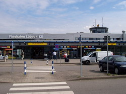 Hamburg Luebeck Airport transfer by Mercedes E-class, S-class or minivan Viano-Vito