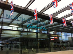 London Gatwick Airport transfer by Mercedes E-class, S-class or minivan Viano-Vito