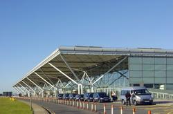 Aeropuerto de Stansted de Londres traslado en Mercedes de la categoría E, traslado en Mercedes de la categoría S, VITO, VIANO