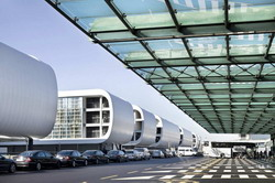 Milano Airport Malpensa Taxi and chauffeur service on Mercedes V class, transfer by Mercedes Sclass, Minivan or VIANO