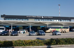 Verona Airport Boscomantico Taxi and chauffeur service on Mercedes V class, transfer by Mercedes Sclass, Minivan or VIANO